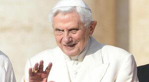 Komu przeszkadza Benedykt XVI
